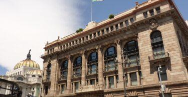 Banxico prevé 3 escenarios para la caída de la economía mexicana